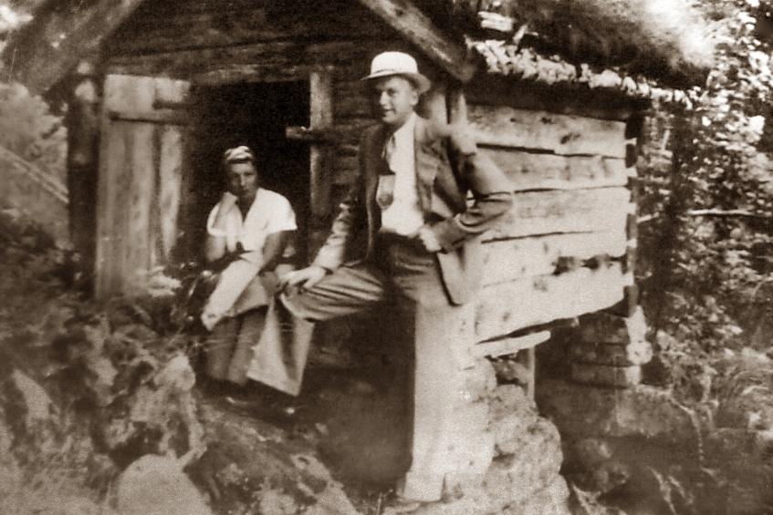 Photo: Mormor & Morfar at Eitland