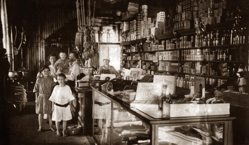 Photo: Bolstad Family Grocery, ca. 1912